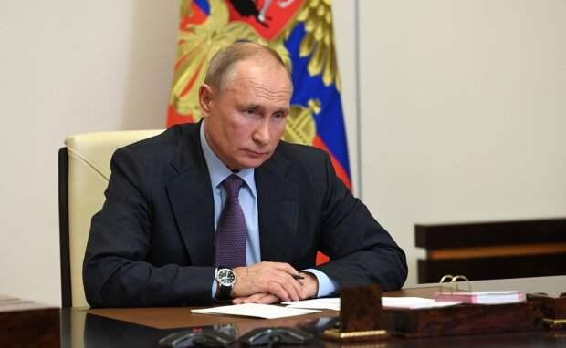 Путин подписал закон «Единой России» о дистанционной работе