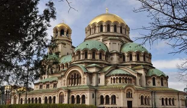 МИД Болгарии заявил о готовности возобновить выдачу виз российским туристам