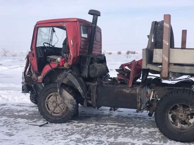 Полицейские подставились под КамАЗ близ Павлодара, чтобы спасти детей герой, дтп, спасение