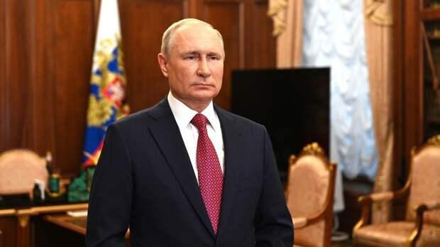 Путин: Засурский заслужил авторитет всех учеников и педагогов