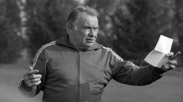 «Бесков подумал, что мы по проституткам отправились». История конфликта тренера «Спартака» и футболиста Ловчева