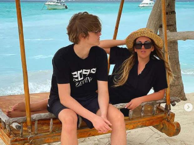 Дубцова восхитила поклонников фото с повзрослевшим сыном