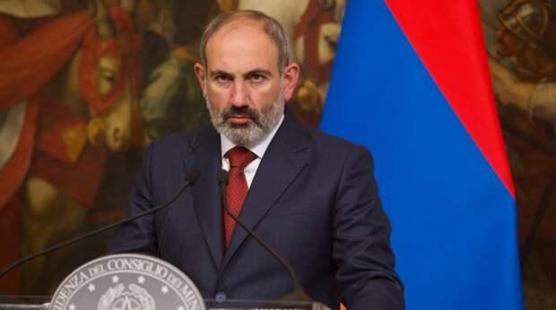 Армения объявила военное положение на фоне ситуации в Карабахе