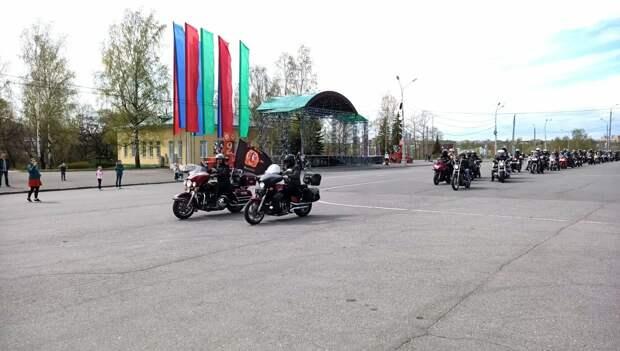 Карельские байкеры открыли мотосезон в Петрозаводске