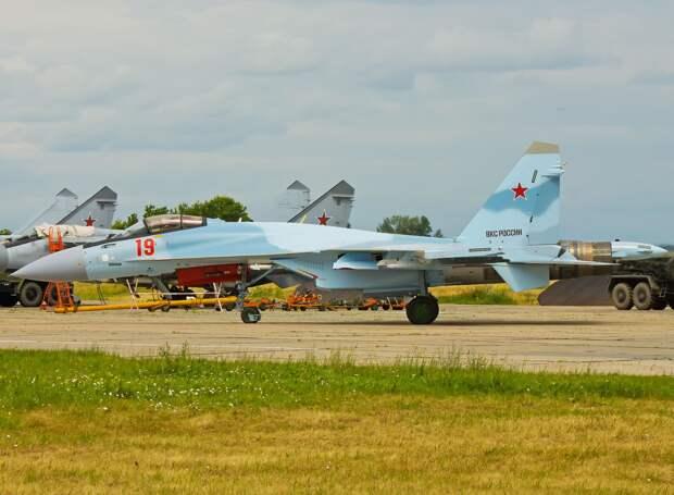 Летчика Су-35 делают крайним в длинной цепи ошибок