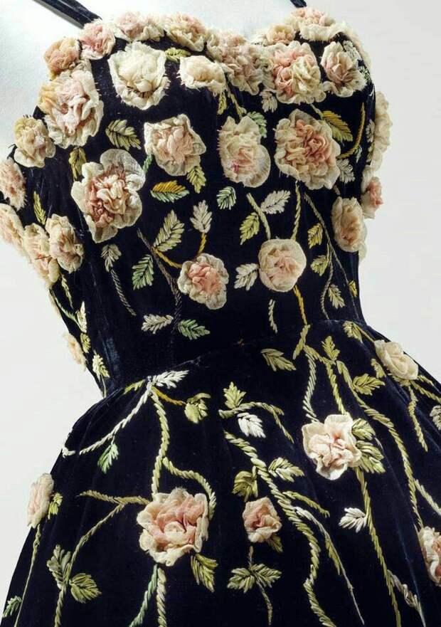 Цветы из ткани в работах дизайнеров и мастеров вышивки, фото № 27