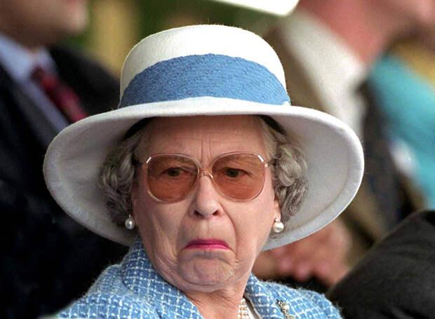 Портрет Елизавета II убрали из учебного заведения