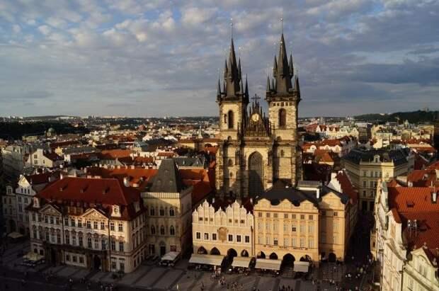 Прага сократит штат посольства РФ до численности чешской дипмиссии в Москве