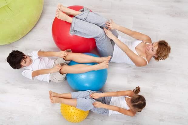 Невероятно полезны для спины упражнения с мячом