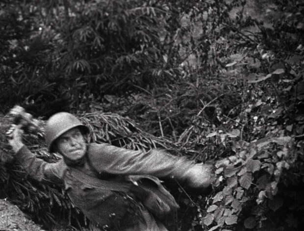 Восьмая серия документального проекта «Как снимали войну» посвящена инсценированным съемкам