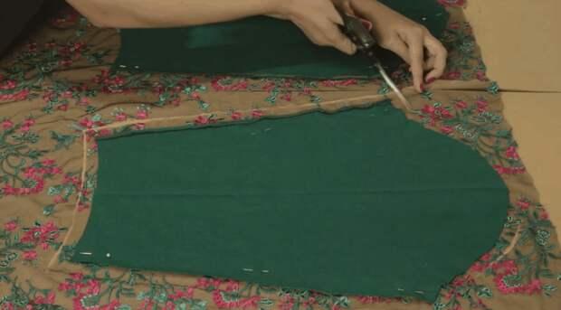 Неординарная переделка обычного свитера