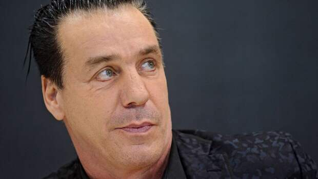 """Лидер Rammstein снял в Эрмитаже клип на оркестровую версию песни """"Любимый город"""""""