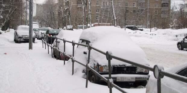 Во дворе вашего дома есть брошенные автомобили? – новый опрос для жителей района