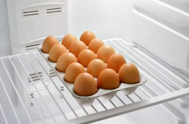 Варить нужно только те яйца, которые полежали в холодильнике. / Фото: severdv.ru