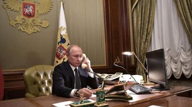 Знаменитости США обвинили Путина в захвате Капитолия. «Единственный, кто наслаждается этим хаосом»