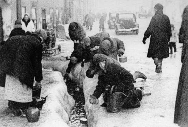 Блокадная зима, 1942. <br>