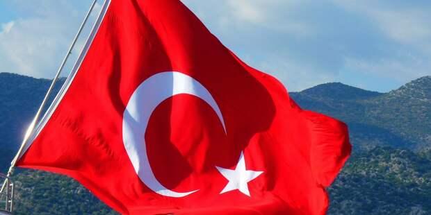 Землетрясение в Турции унесло жизни почти сотни человек