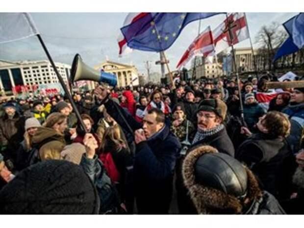 «Методичка Шарпа» в Белоруссии — новая попытка устроить цветную революцию