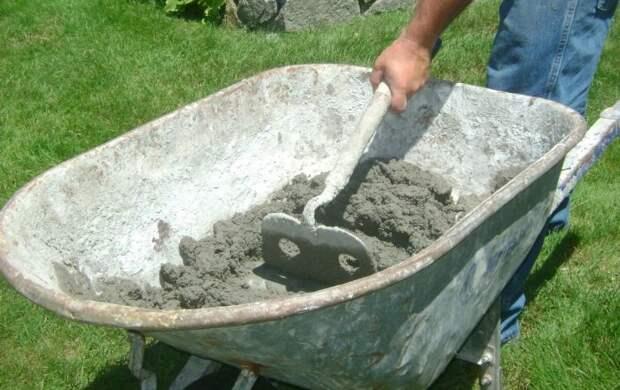 Маленькая хитрость при замешивании раствора, которая поможет тем, кто надумал делать ремонт или строить дом