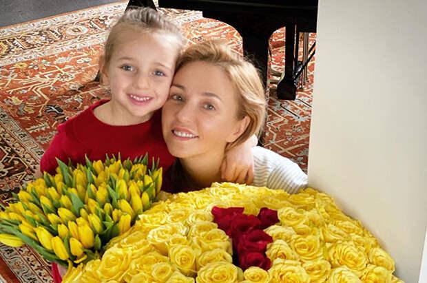 Татьяна Навка показала, как их с Дмитрием Песковым дочь поет на английском