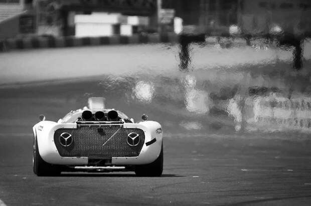 Марево раскаленного воздуха позади спортпрототипа Howmet TX — типичный почерк газотурбинного автомобиля авто, автоспорт, газотурбинный двигатель, гтд, двигатель, мотор, технологии, турбина
