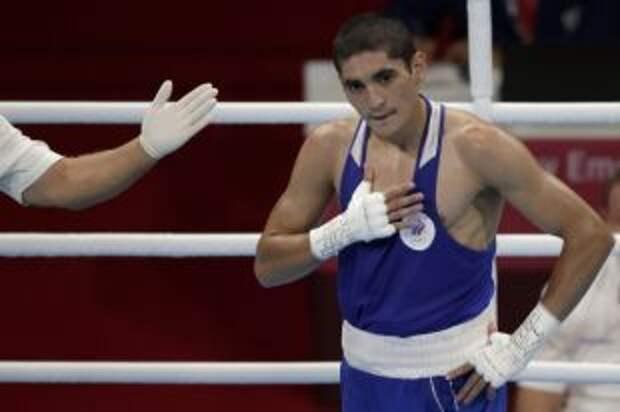 Российский боксер Альберт Батыргазиев вышел в полуфинал на Играх в Токио