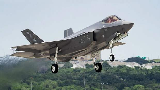 """Проект F-35 провалился. Теперь и в """"Форбс"""""""