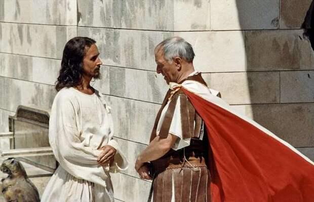 Спасение по-булгаковски: чем было обусловлено решение Пилата спасти Иешуа, и почему попытка оказалась неудачной? (3 фото)