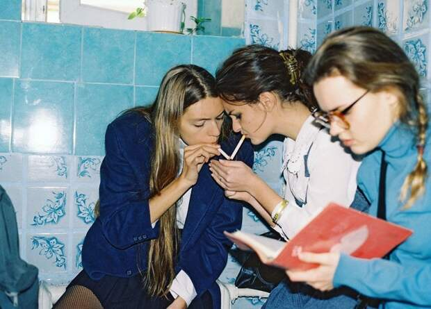 Шкoльницы 90-х