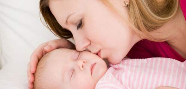 Исследование: матери способны определять стадии развития своих детей по запаху