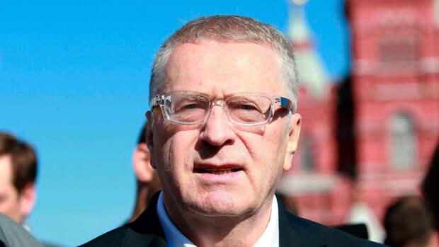 Жириновский пообещал 10 млн рублей тому, кто поднимет российский флаг над Киевом