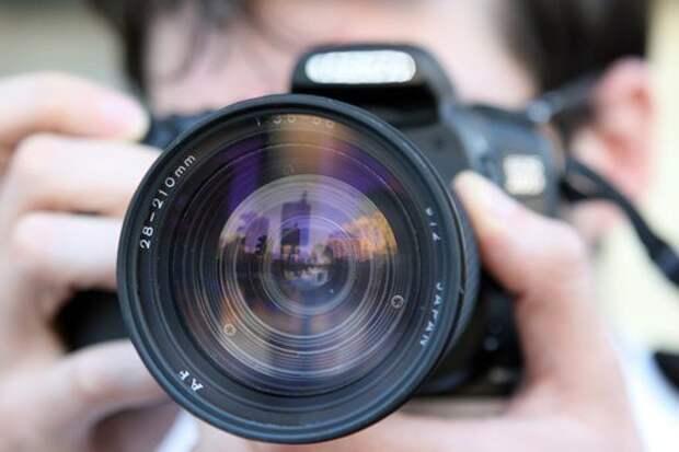 Специалист семейного центра из Северного приглашает подростков на занятия по фотографии