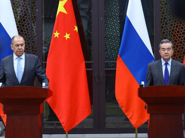 МИД КНР призвал Россию вместе бороться с пандемией и «политическими вирусами»