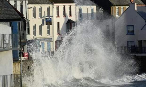 Британское метеобюро предупредило о летнем именном шторме