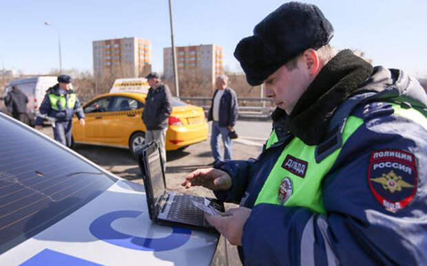 Идут облавы на таксистов. Ищут нелегалов