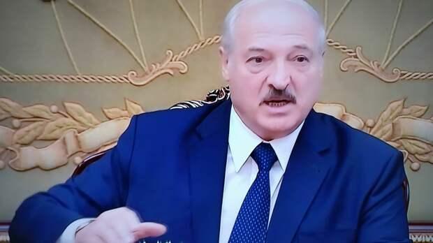 Могут развязать горячую войну: Лукашенко перекрыл границу с Литвой, Польшей и Украиной