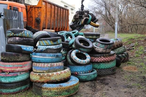 Дворы Ижевска очистят от автомобильных покрышек