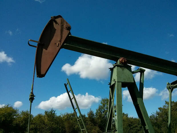 Стоимость нефти Brent стремится к $70 за баррель
