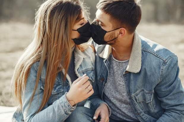 Пульмонолог объяснил, чем грозит долгое ношение медицинской маски