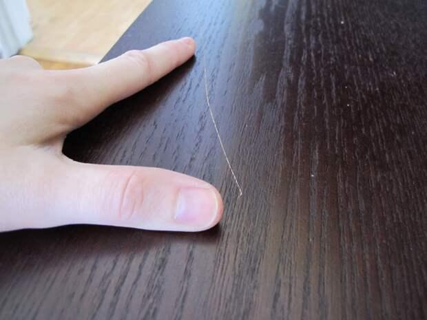 Как убрать мелкие царапины с мебели и дверей