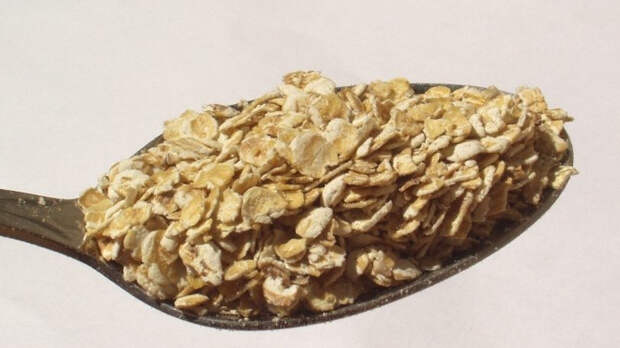 Обеспечить долголетие способна сладкая добавка к овсянке на завтрак