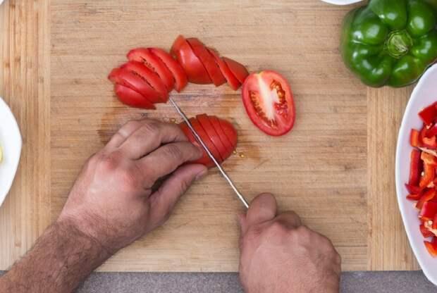 помидоры и огурцы нарезка