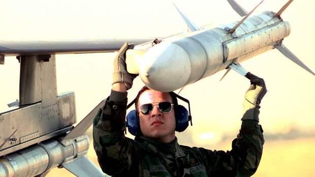 The Drive: США пытаются догнать РФ по части дальности полетов ракет «воздух — воздух»