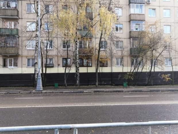 На Базовской улице вернули «исчезнувшие» урны
