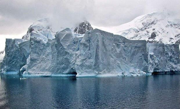 Мир под толщей льда Антарктиды: ученые заглянули под ледяной щит