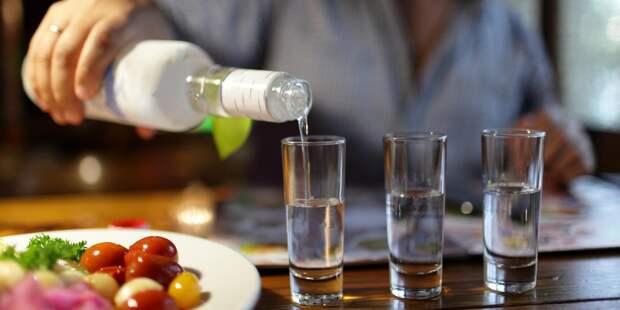 В РАН предсказали рост алкоголизма в России после снятия ограничений