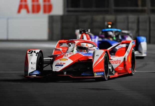 Линн выиграл вторую гонку Формулы Е в Лондоне после дисквалификации ди Грасси