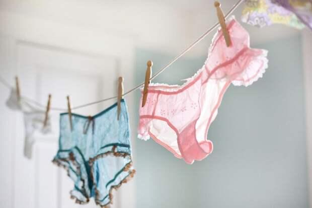Он стирал белье жены!