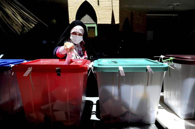 В Иране прошли выборы нового президента