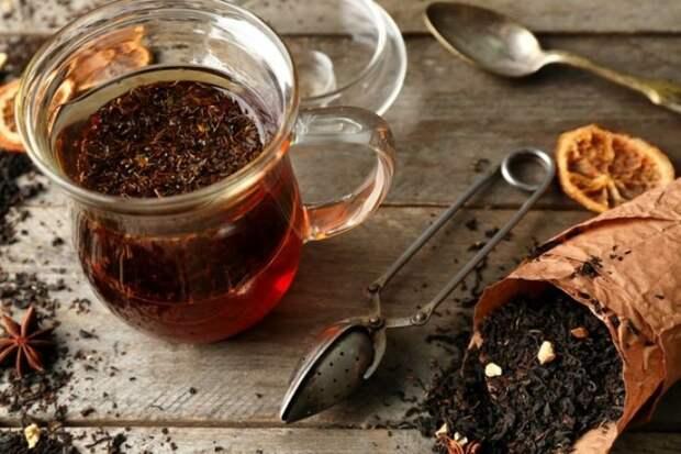 Чай - простой ингредиент, который сделает пирог в разы вкуснее.